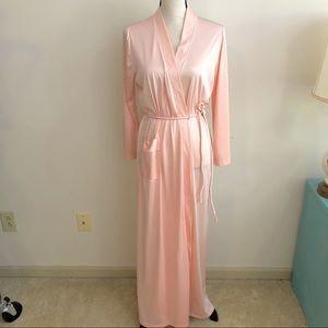 Vassarette | Vintage Peach Robe